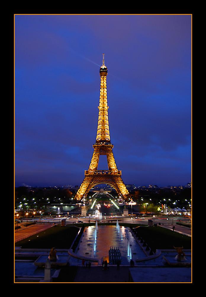eiffelturm bei nacht foto bild europe france paris bilder auf fotocommunity. Black Bedroom Furniture Sets. Home Design Ideas