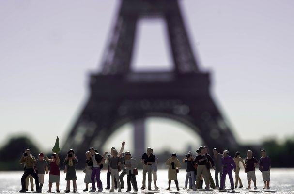 Eiffelturm Touristen (1 von 1)