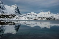 Eigenartige Bergwelt . . .