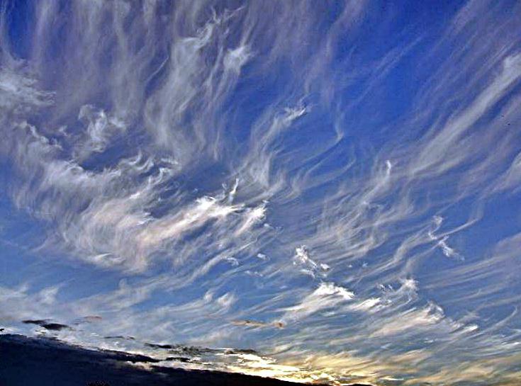 Eigenartige Wolkenbildung