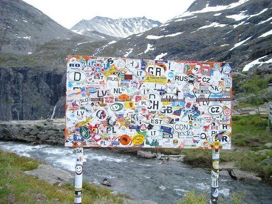 Eigentlich war es ein Wegweiser... am Trollstigen in Norwegen