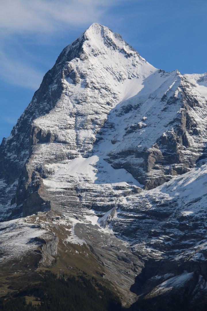 Eiger mit Nordwand (links)