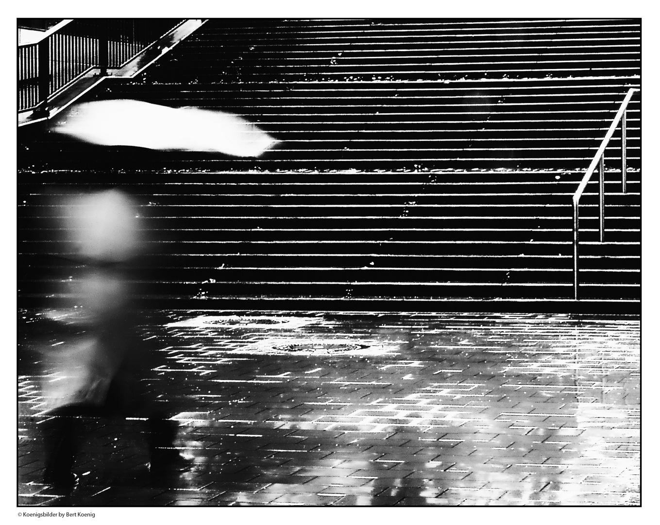 Eilig durch den Regen