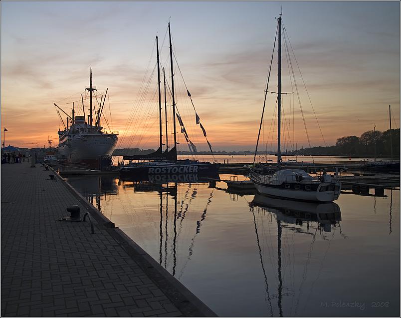 Ein Abend am Stadthafen (II)