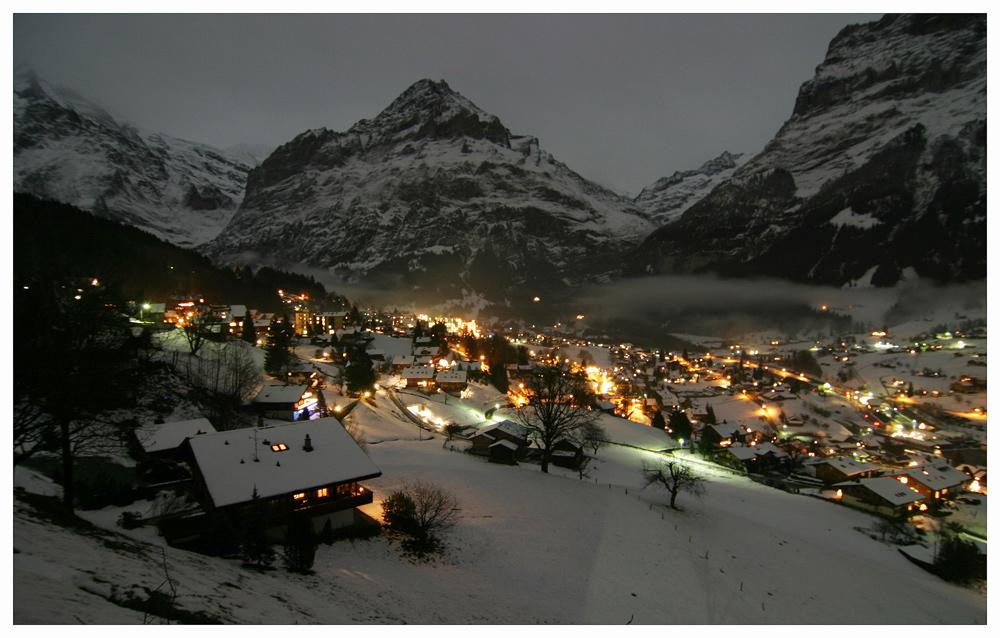 Ein Abend in den Schweizer Bergen