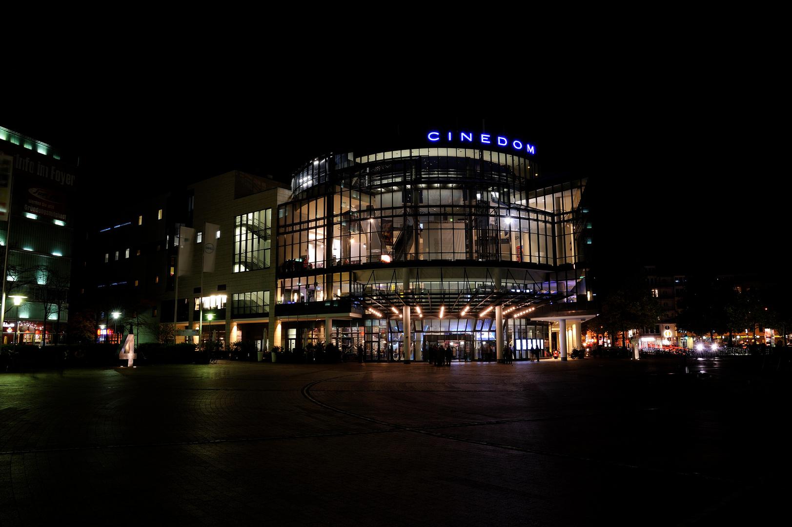 Ein Abendspaziergang am Mediapark (3)