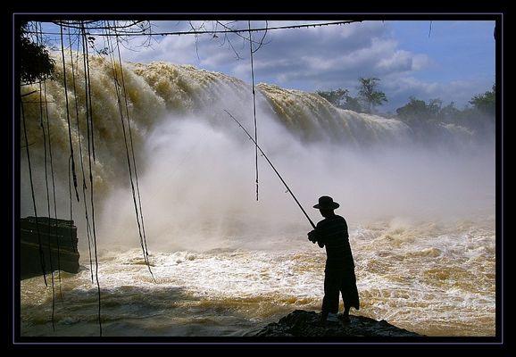 Ein Angler in Zentralvietnam