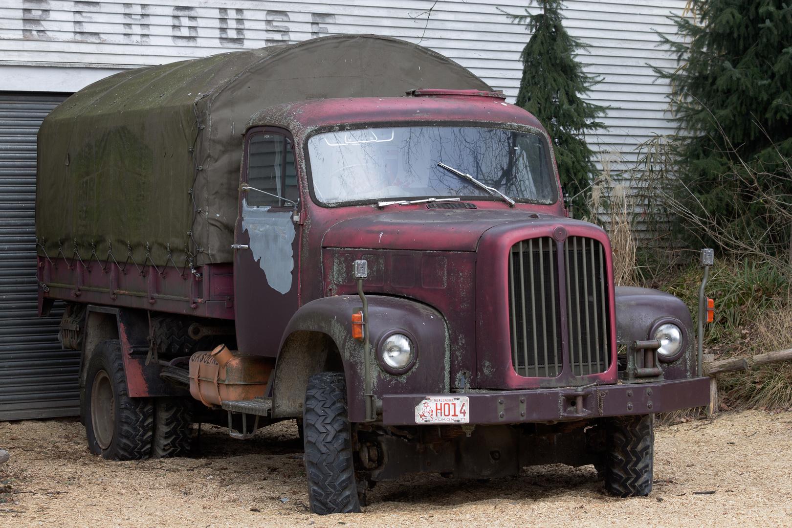 Ein ausrangierter Lastwagen...