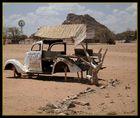 Ein Auto irgendwo in Namibia