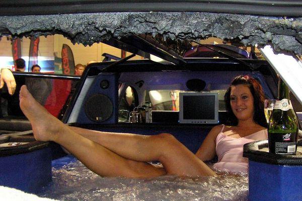 Ein Bad im Auto