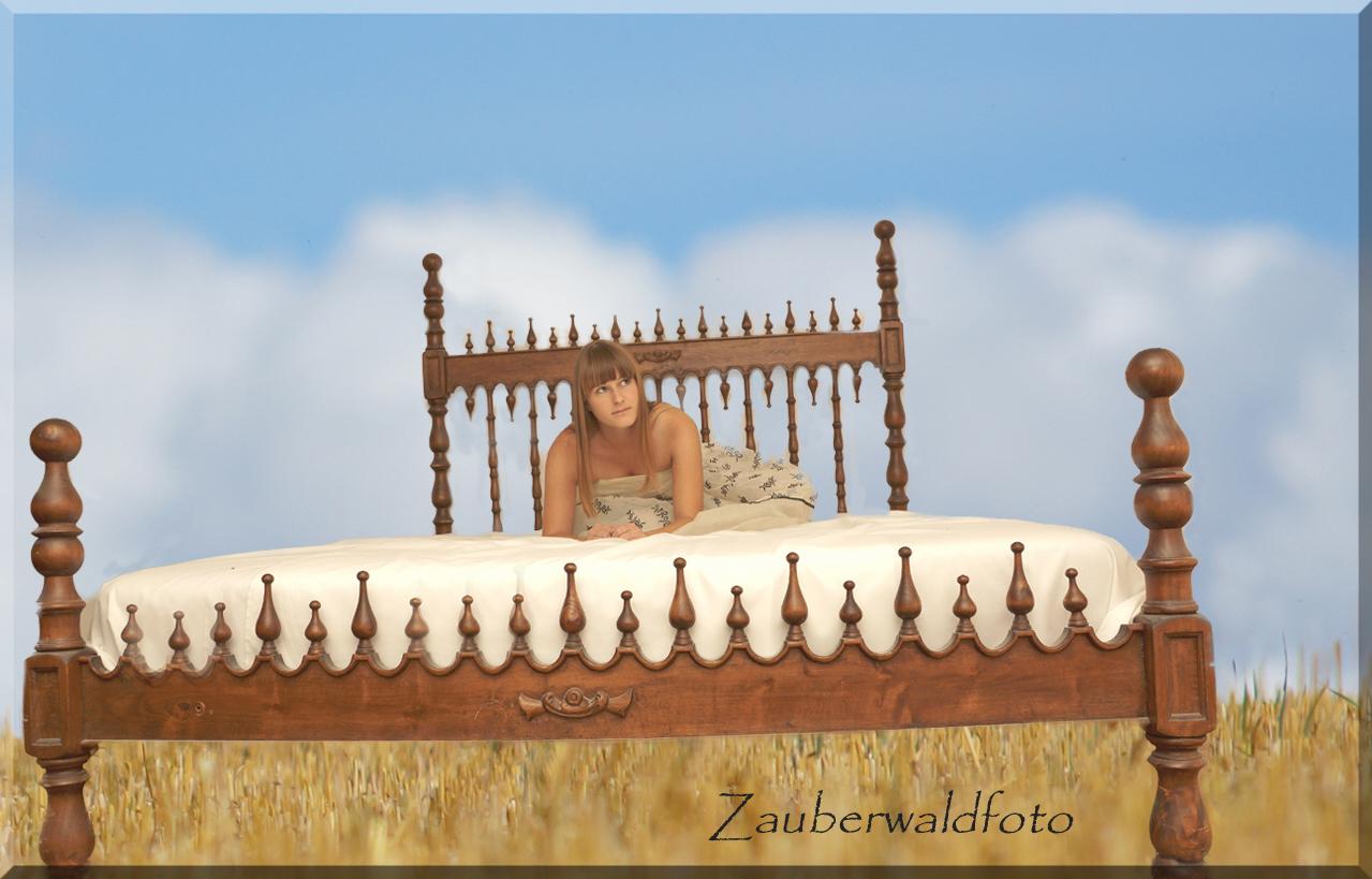 ein Bett im Kornfeld ?