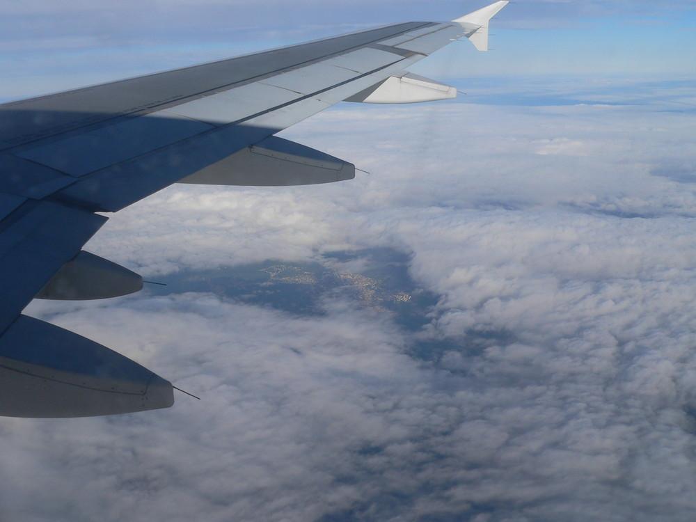 ein Blick durch die Wolken