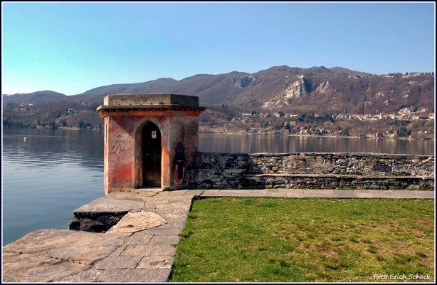 Ein Blick in den Orta See von der kleinen Kloster-Insel