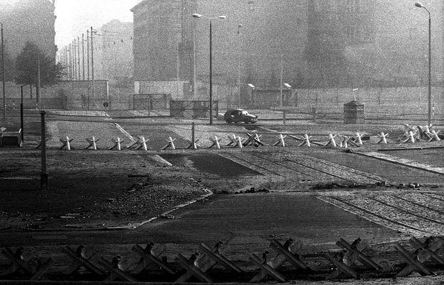 Ein Blick über die Berliner Mauer 1982