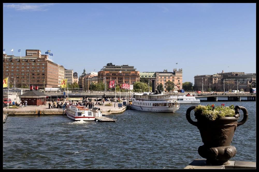 Ein Blick vom Rathaus auf die Stockholmer Altstadt II