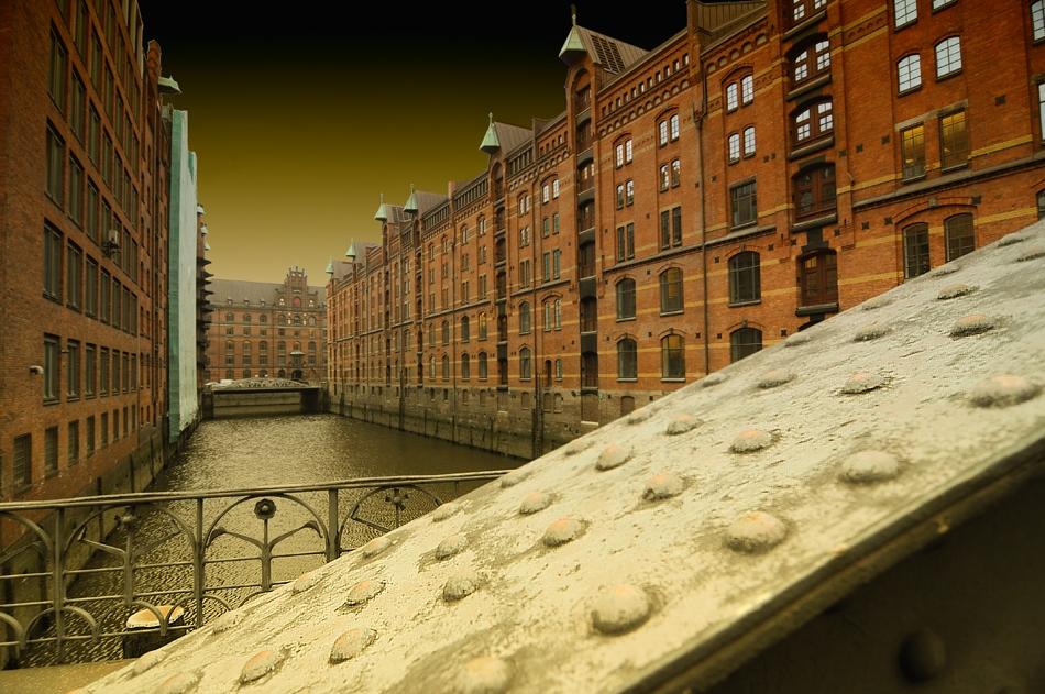 Ein Blick von der Wandbereiter-Brücke ...
