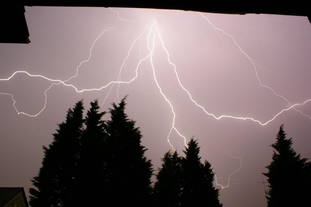 Ein Blitz!!!
