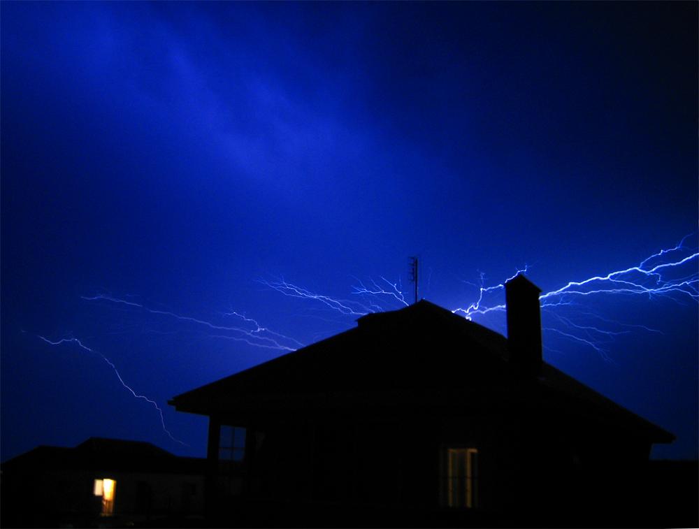 Ein Blitz kommt selten allein...
