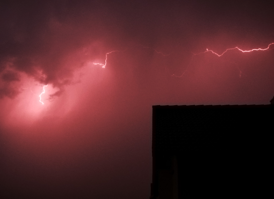 Ein Blitz sucht seinen Weg
