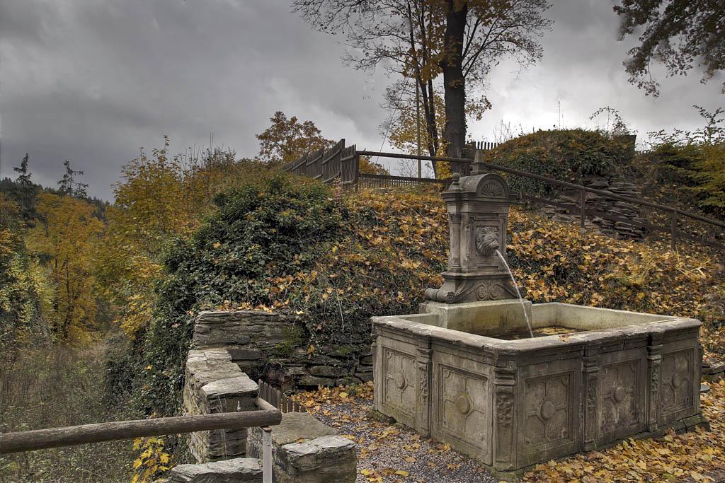 Ein Brunnen vor dem Tore