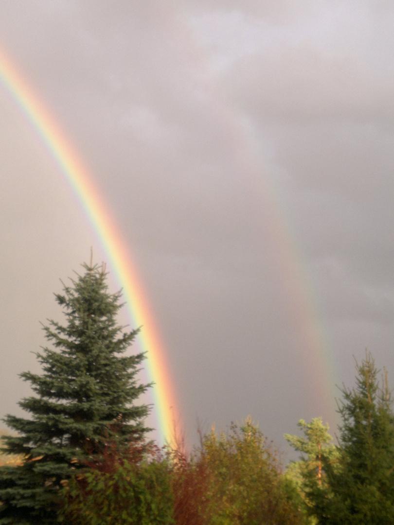 Ein doppelter Regenbogen.