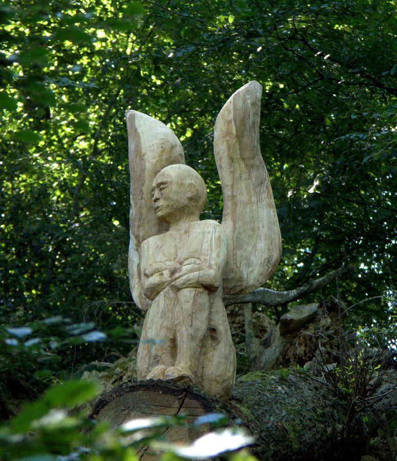 Ein Engel genießt die Stille