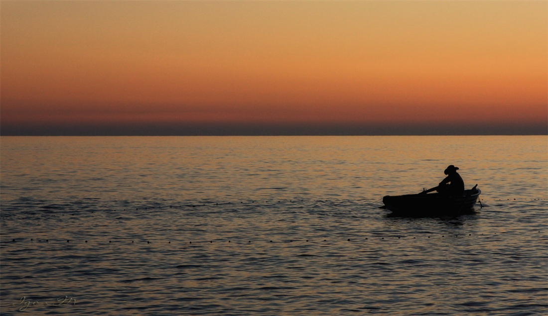 Ein Fischer im Meer .... weltlichen Abend