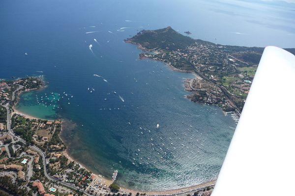 Ein Flug entlang der Mittelmeerküste im Sommer 2008