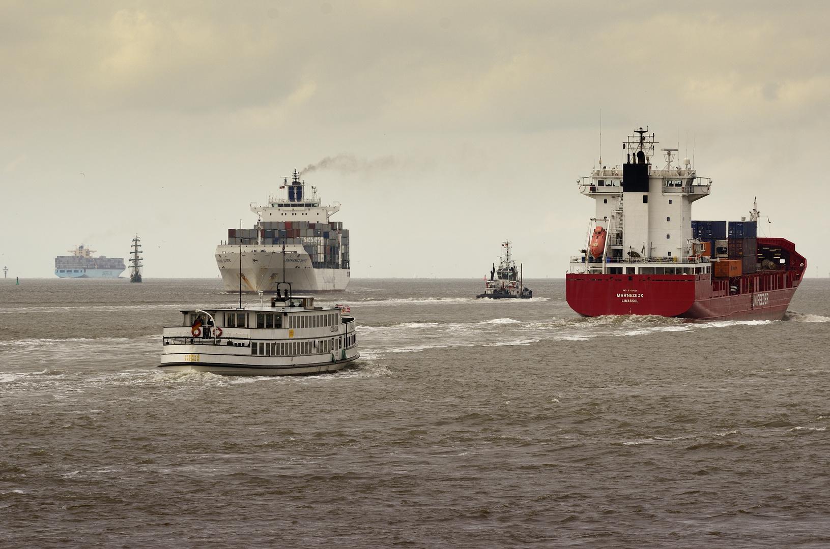 Ein Foto – mehr als 100 Jahre Schifffahrtsgeschichte.