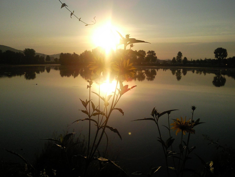 Ein glatter Sonnenaufgang