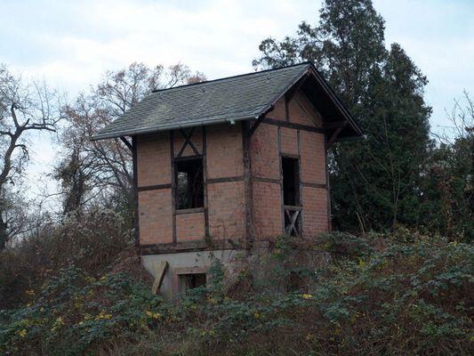 Ein Häuschen im Walde