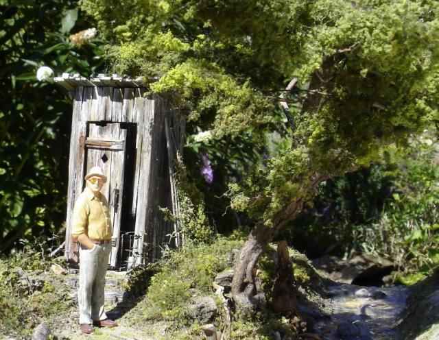 Ein Häuschen steht im Walde ...
