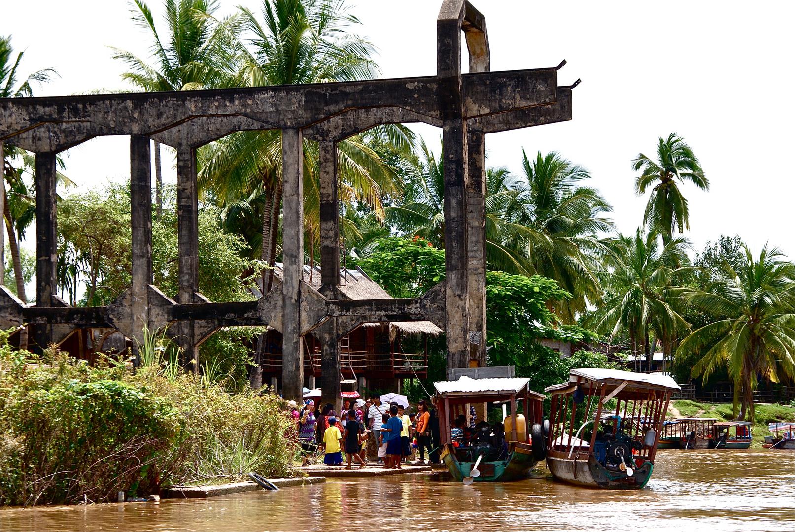 ein hafen im süden, laos 2010