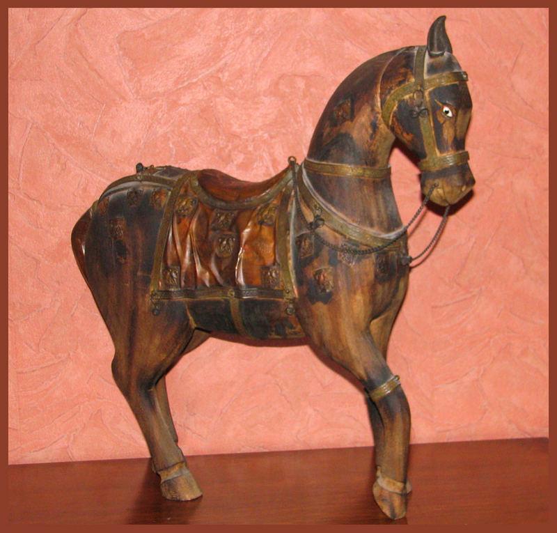 Ein handgeschnitzes Pferdchen