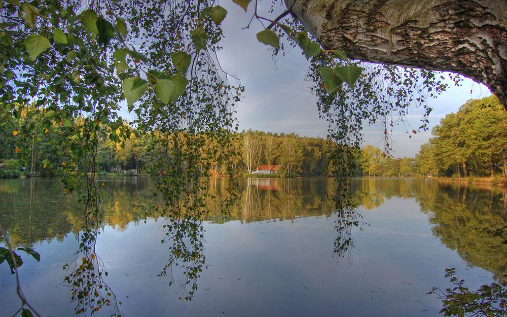 Ein Herbsttag am Eichensee bei Langenzenn HDR