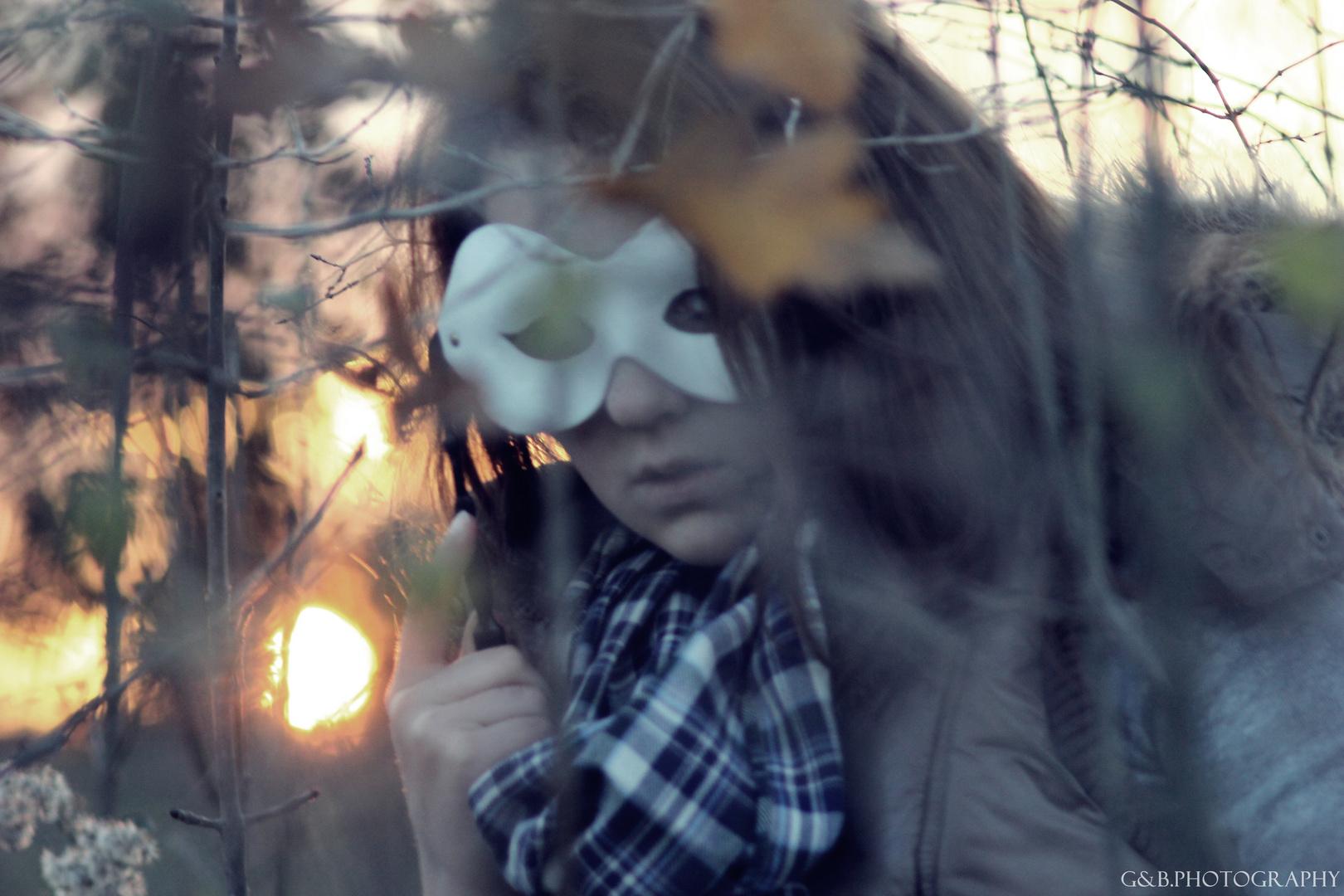 Ein Herbsttag im Wald mit einem Mädchen :)