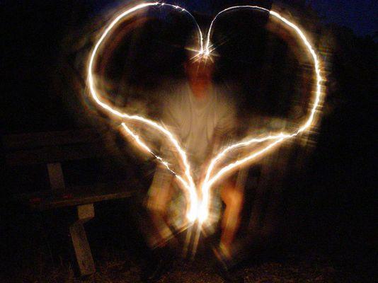 Ein Herz aus Feuerzeug