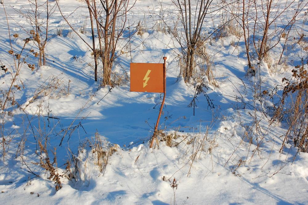Ein Kabel im Schnee