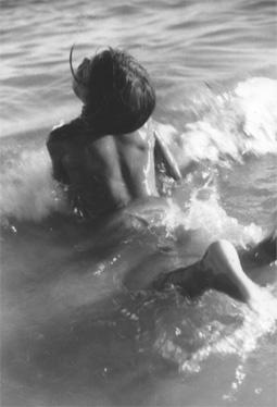ein Kind baden