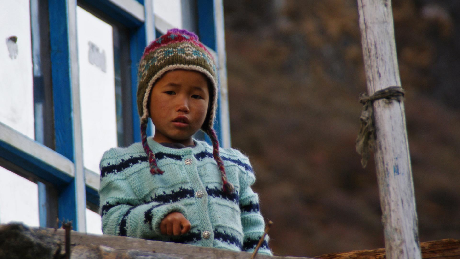 Ein Kind Nepals - Langtang Trekking Nepal