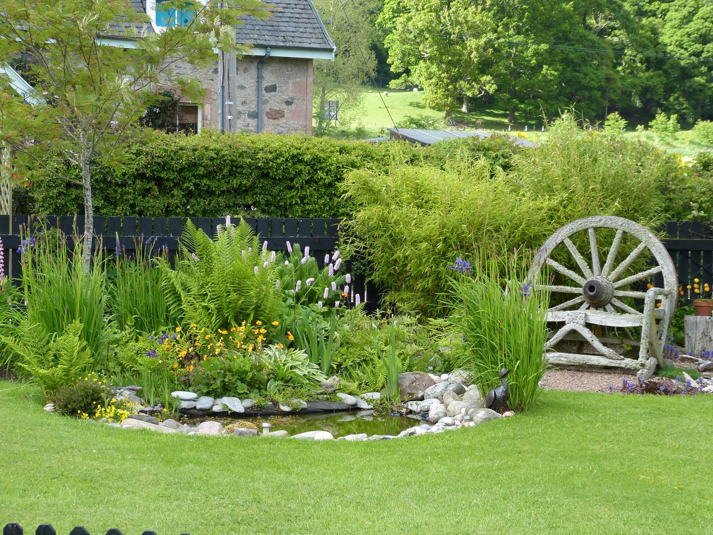 ein kleiner Garten bei Inverness