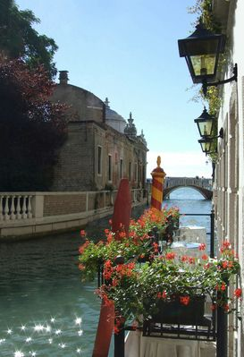 Ein kleiner Kanal