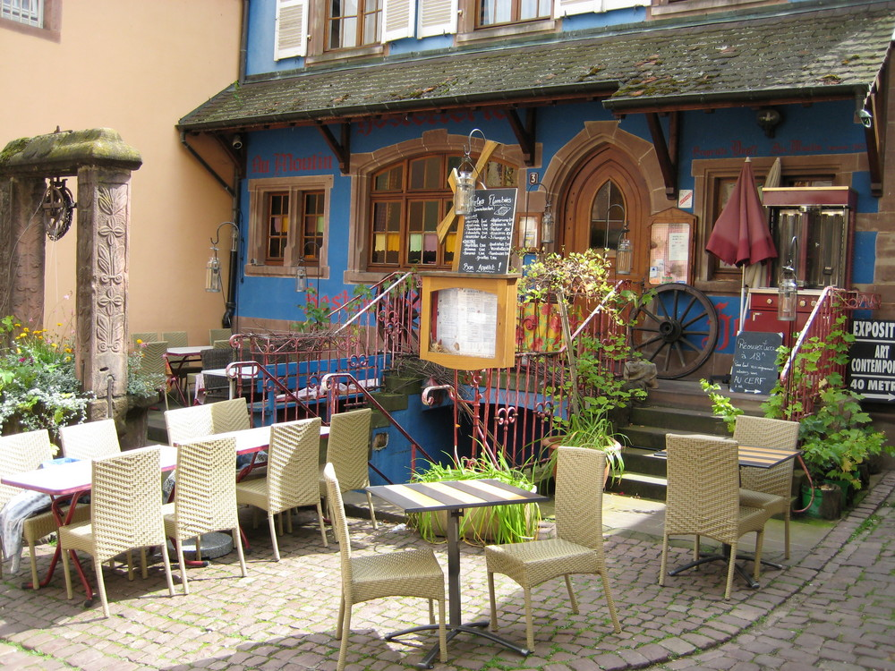ein kleines Cafe im Elsass