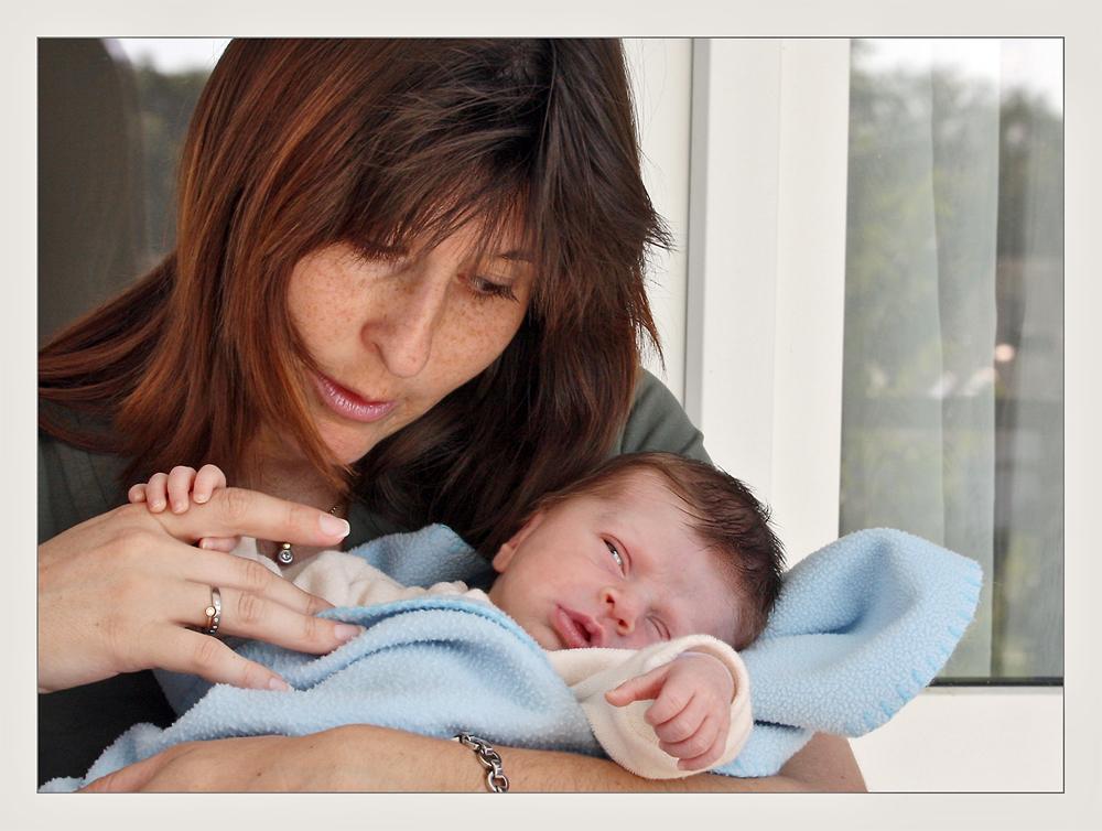 Ein kleines faules Blinzeln zur Mama... ;-)