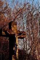 Ein Kreuz am Wegesrand