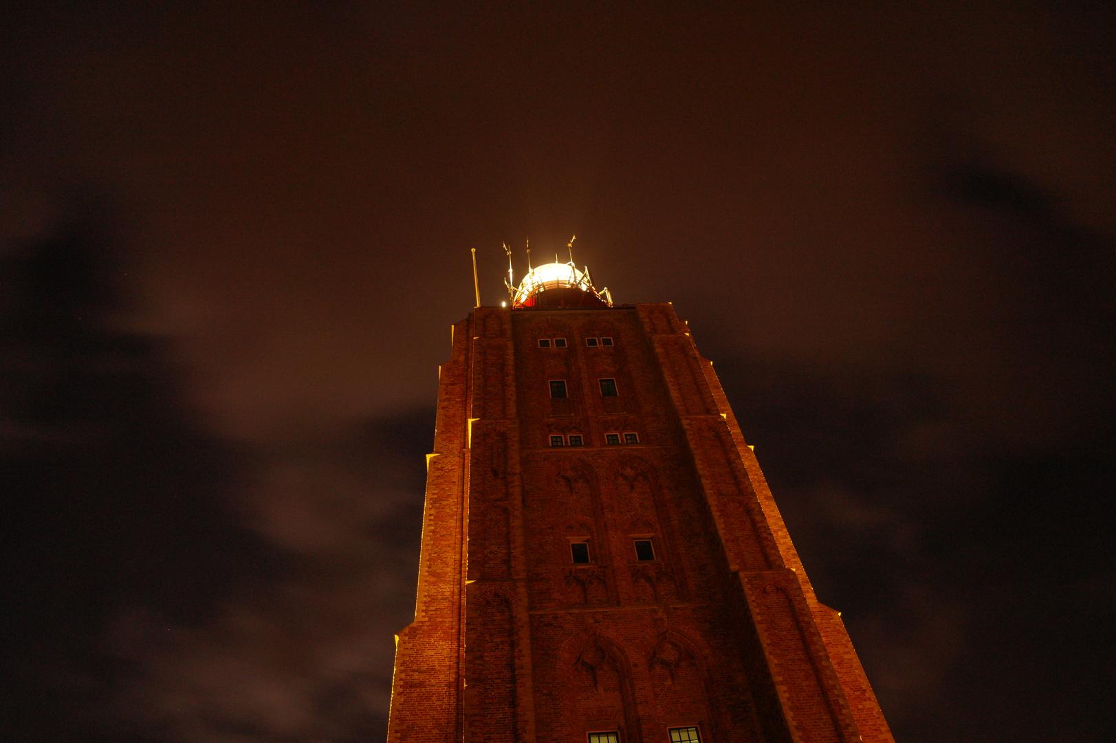 Ein leuchtender Turm