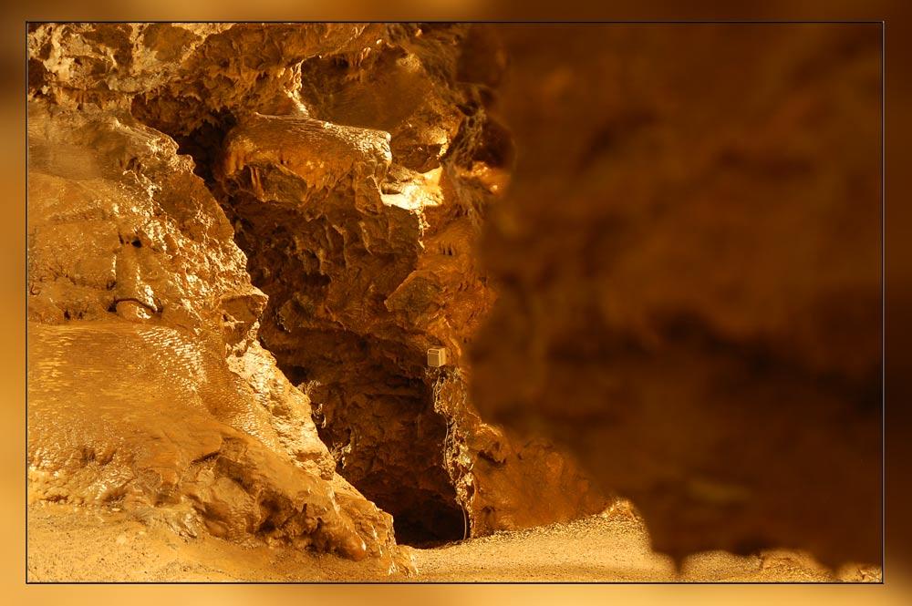 Ein Lichtschalter tief in einer Höhle
