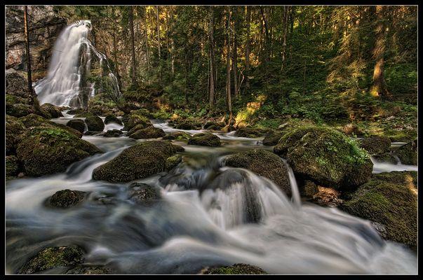 Ein Morgen am Wasserfall