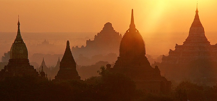 Ein Morgen in Bagan II