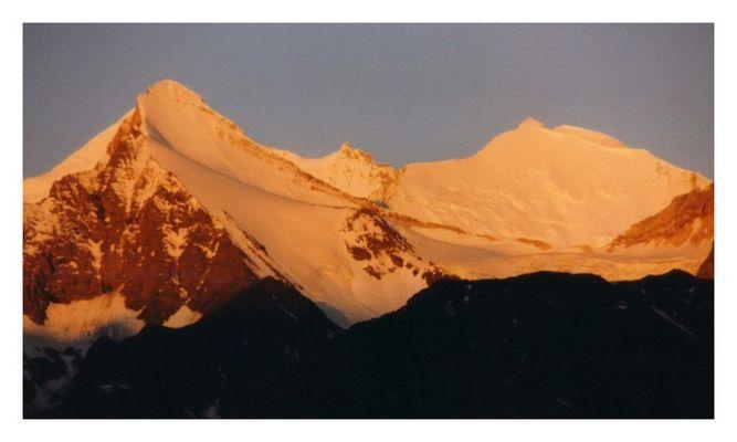 Ein neuer Tag in den Schweizer Bergen